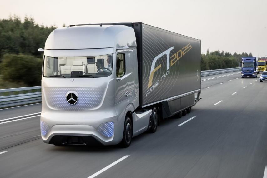 Self Driving Semi Truck Mercedes